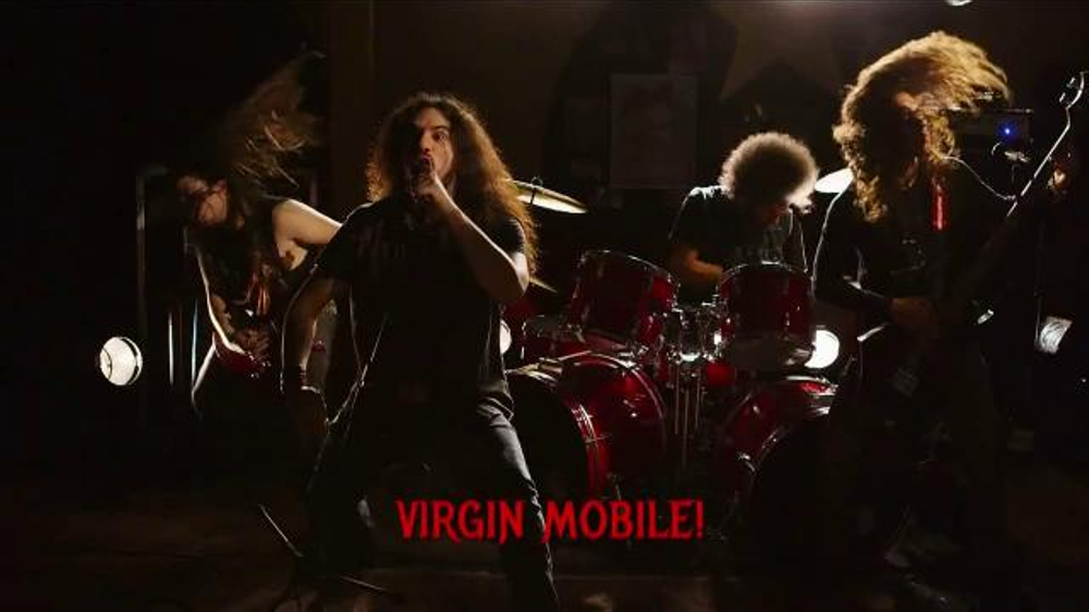 Virgin Mobile Galaxy S5 TV Spot, 'Metal Band' - Screenshot 4