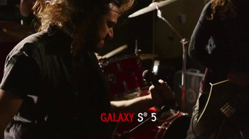 Virgin Mobile Galaxy S5 TV Spot, 'Metal Band' - Thumbnail 5