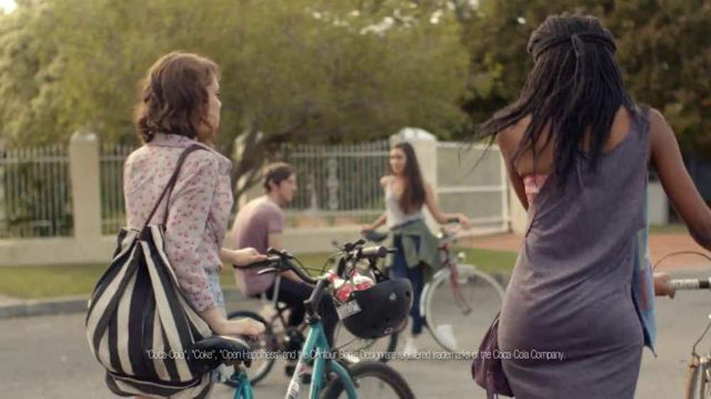 Coca-Cola TV Spot, 'Share a Coke' Song by Trimountaine - Screenshot 4