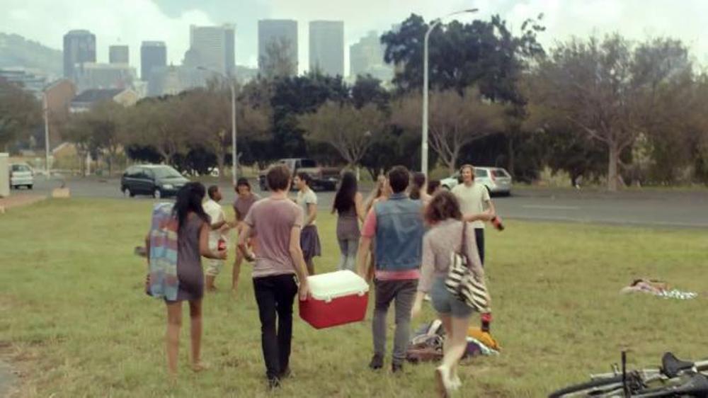 Coca-Cola TV Spot, 'Share a Coke' Song by Trimountaine - Screenshot 5