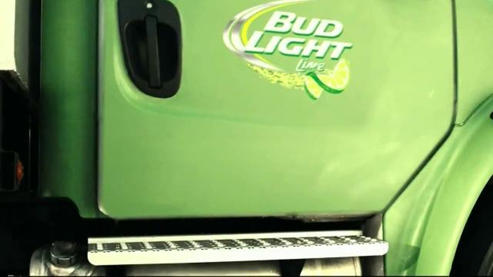 Bud Light Lime TV Spot, 'Block Party Slip 'n' Slide' - Screenshot 1