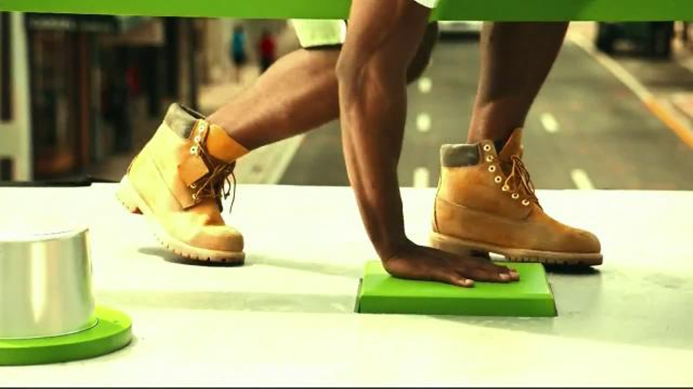 Bud Light Lime TV Spot, 'Block Party Slip 'n' Slide' - Screenshot 3