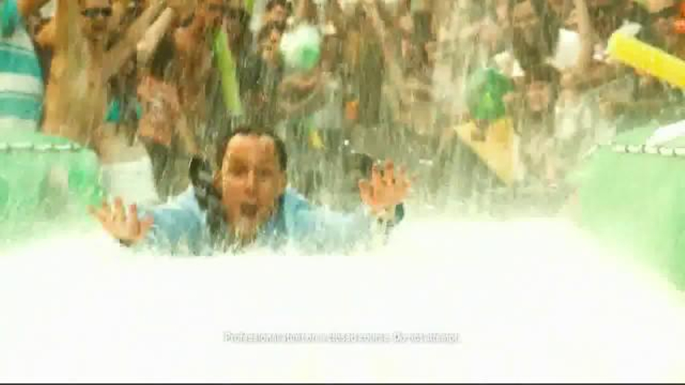 Bud Light Lime TV Spot, 'Block Party Slip 'n' Slide' - Screenshot 7
