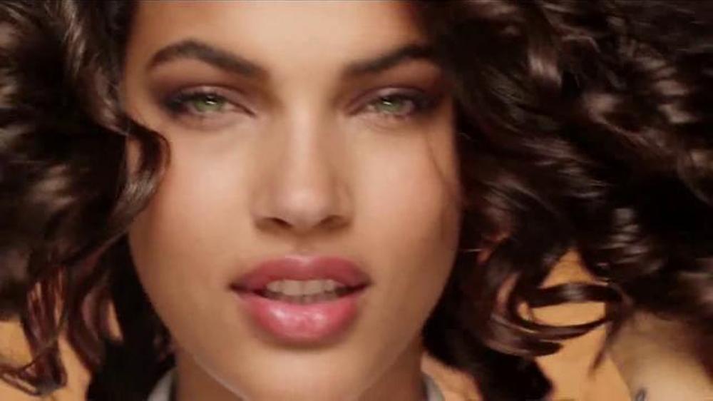 Garnier Fructis Curl Nourish TV Commercial, 'Risos hidratados ...