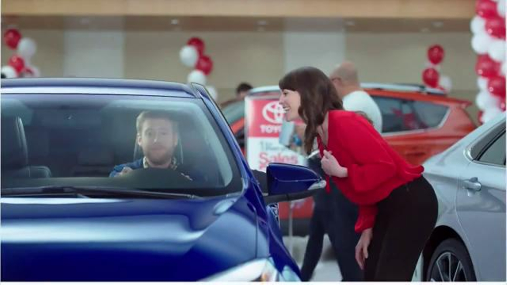 toyota corolla ad analysis toyota corolla ad analysis rough draft in this commercial a cat gets to ride in a new 2013 toyota corolla because it has a hurt paw and its owner had to take it to the vet in the new car to get checked out.