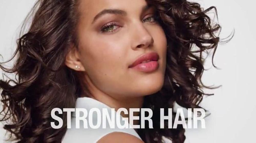 Garnier Fructis Curl Nourish TV Commercial, 'Triple Nutrition' Song b...
