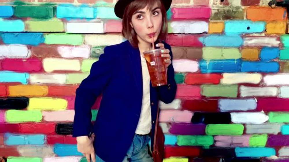 Who Is The Girl On The Ice Tea Lemonaide Commerical ...