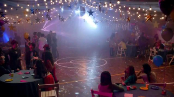 Shoe Carnival TV Spot, 'High School Dance' Song by Snap!