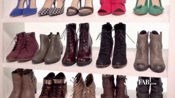 JustFab.com TV Spot, 'Cielo de zapatos' [Spanish]