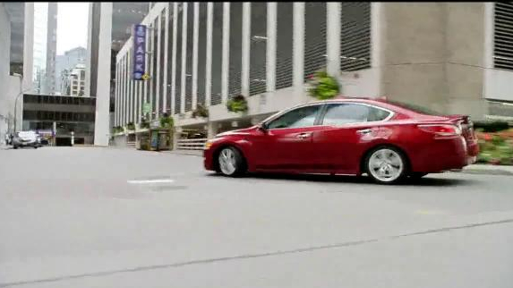 altima tv spot 39 drive to the game 39 song by bruno mars. Black Bedroom Furniture Sets. Home Design Ideas