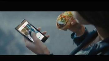 Taco Bell Quesalupa TV Spot, 'Bigger Than...' [Spanish]