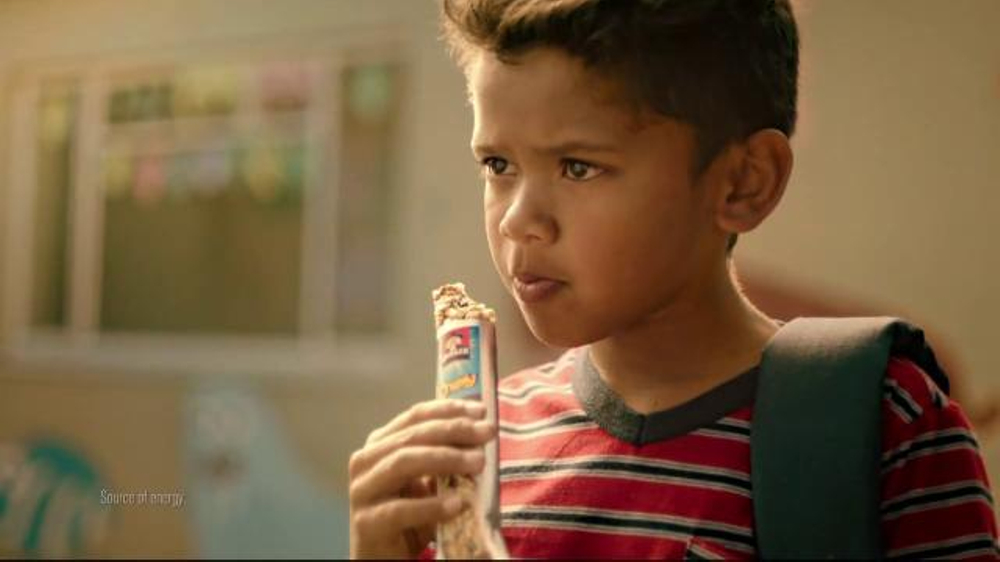 Quaker Chewy Granola Bars TV Commercial, 'King of the Dodgeball Court ...