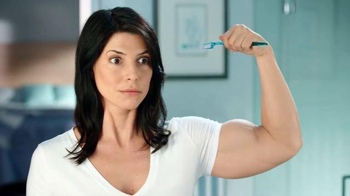 Listerine Cool Mint Antiseptic TV Spot, 'Strong Brushing Arm'
