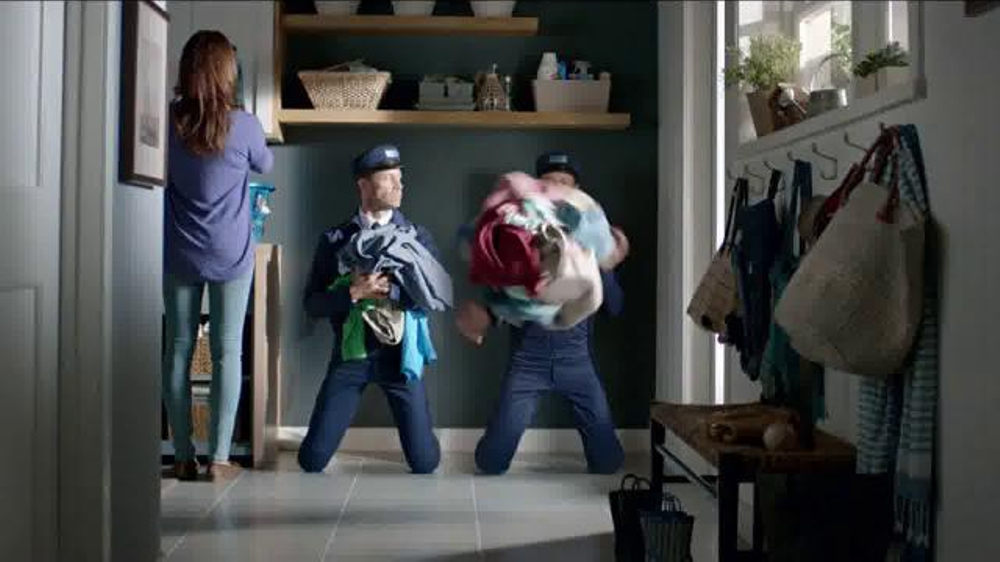Maytag Washers & Dryers TV Spot, 'Tough Loads' Featuring Colin Ferguson - Screenshot 7