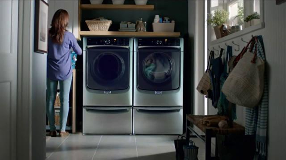 Maytag Washers & Dryers TV Spot, 'Tough Loads' Featuring Colin Ferguson - Screenshot 8