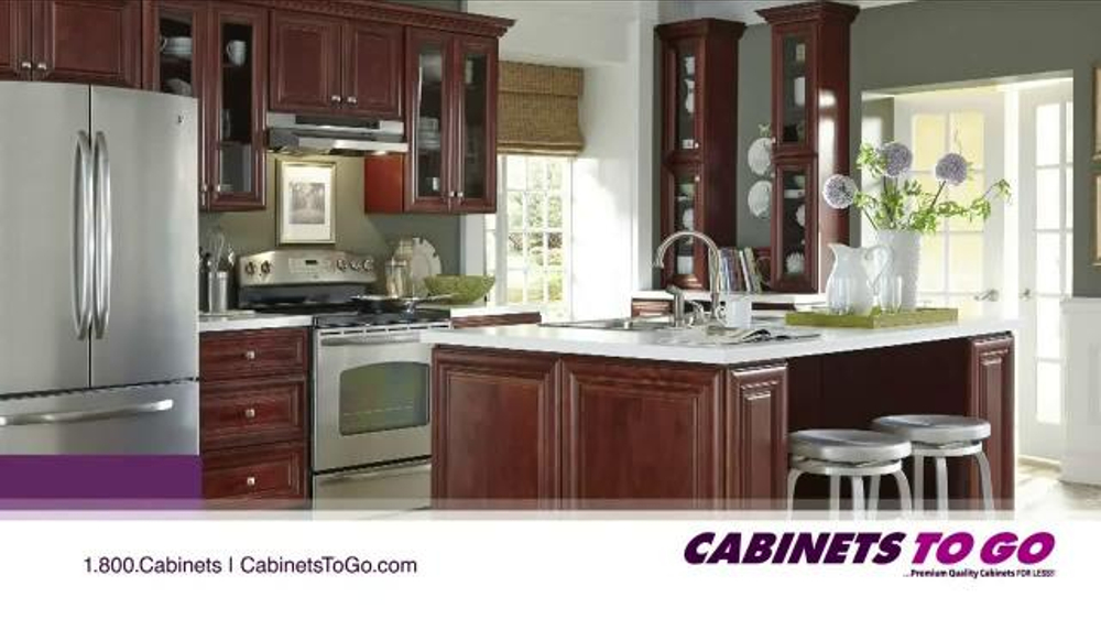 Cabinets to go tv commercial 39 holidays in the kitchen for Kitchen cabinets to go