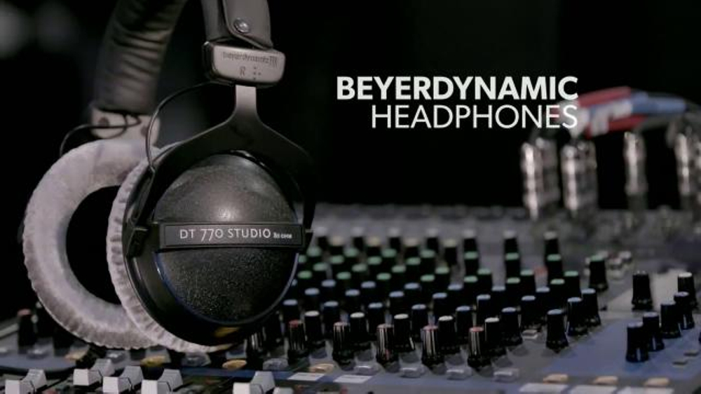 guitar center new year sale tv spot 39 guitars headphones and drum set 39. Black Bedroom Furniture Sets. Home Design Ideas