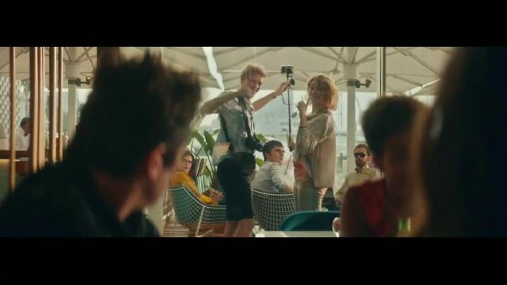 Heineken TV Spot, 'Famous' Featuring Benicio del Toro ...