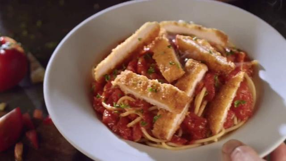 Olive garden never ending pasta bowl tv commercial 39 celebration 39 for Olive garden endless pasta bowl