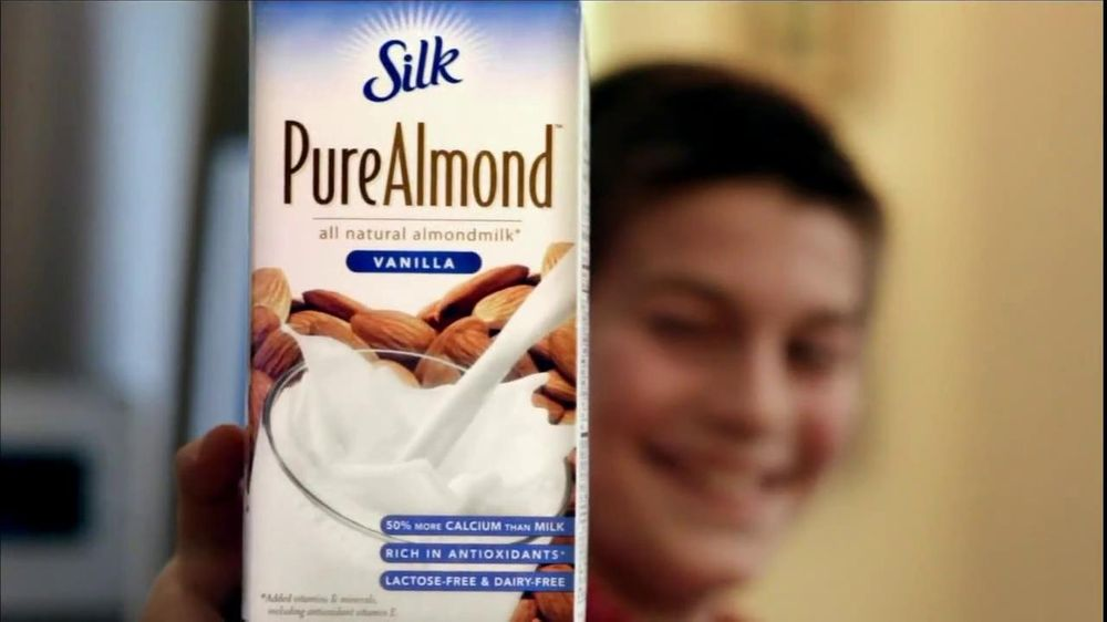 Silk Soy and Silk Pure Almond Milk TV Spot, 'Cereal' - Screenshot 6